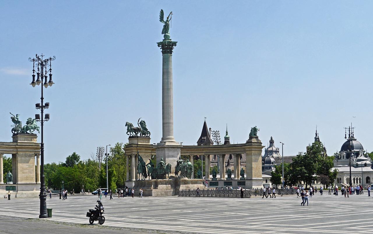 budapest-3177744_1280